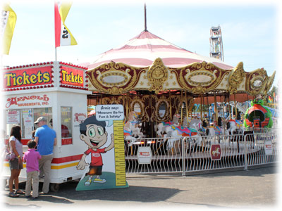 Arnold Amusements Midway